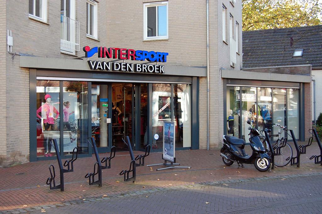 Foto pand Intersport van den Broek